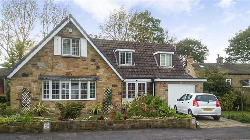4 Bedrooms Detached House for sale in Bankfield Park Avenue, Taylor Hill, Huddersfield