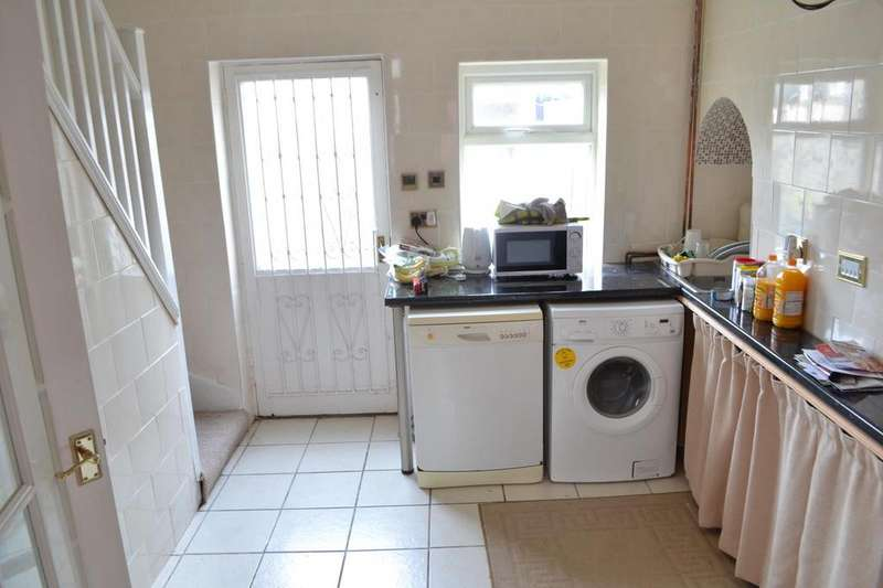 2 Bedrooms Terraced House for sale in Linden Terrace, Gainsborough, Lincolnshire, DN21