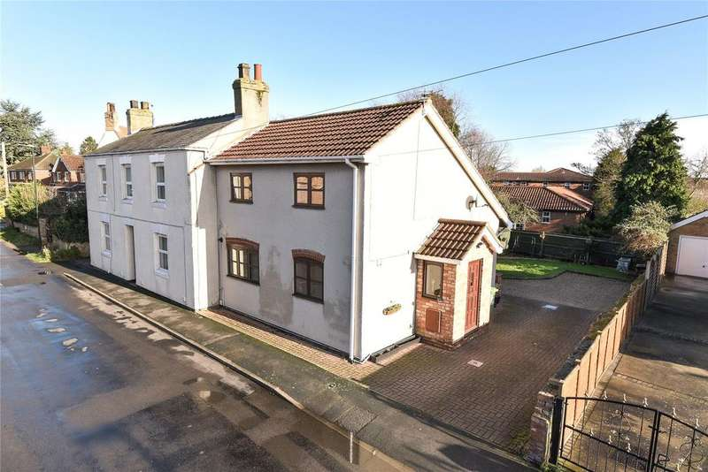 3 Bedrooms Semi Detached House for sale in Church Lane, Waltham, DN37
