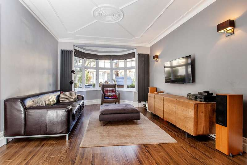 5 Bedrooms Semi Detached House for sale in Leeside Crescent, NW11