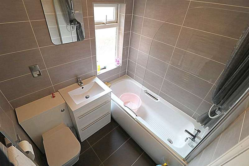 3 Bedrooms Apartment Flat for rent in London Road, Bedford