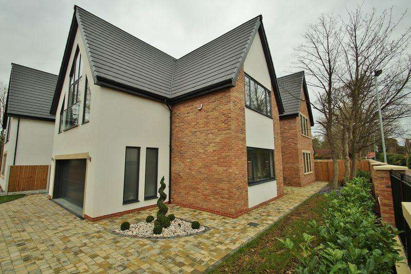 4 Bedrooms Detached House for sale in The Hurlston, Victoria Road, Freshfield