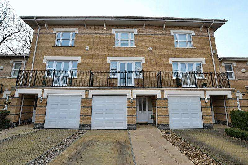 3 Bedrooms Terraced House for sale in Drake Mews, Bromley