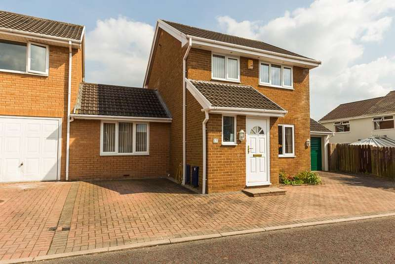 4 Bedrooms Link Detached House for sale in 21 St Austell Place, Crag Bank, Carnforth, Lancashire LA5 9TU
