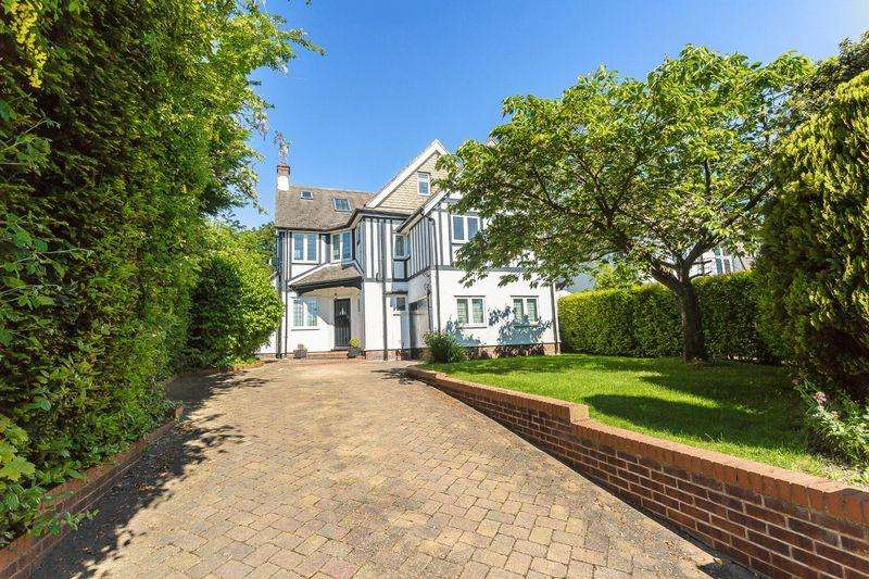 5 Bedrooms Detached House for sale in Manor Wood Road, West Purley
