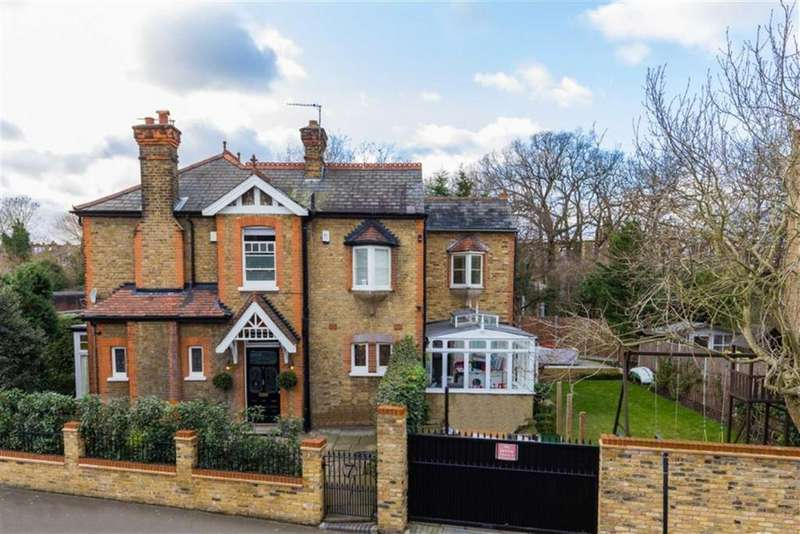 4 Bedrooms Detached House for sale in Hoppers Road, Winchmore Hill, London