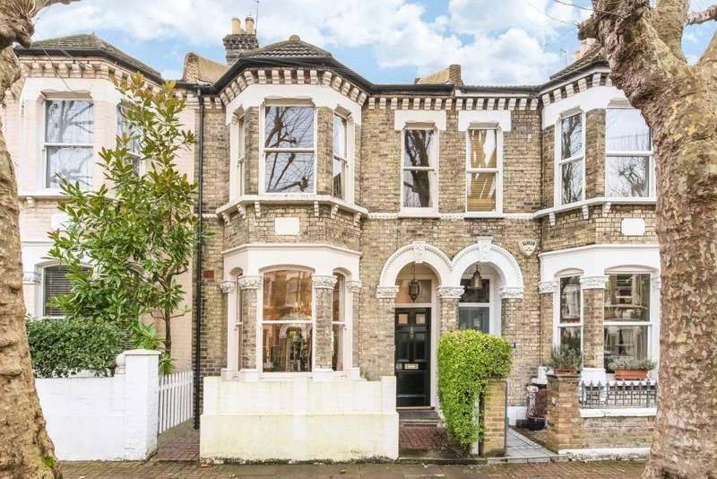 4 Bedrooms Semi Detached House for sale in Amerland Road, London, SW18