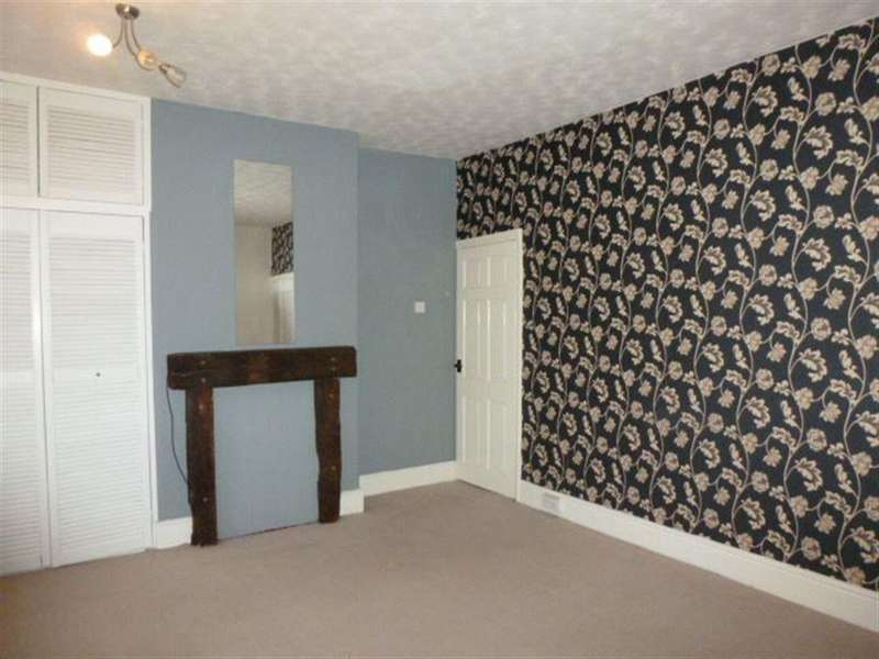 2 Bedrooms House for rent in Wheatcroft Road, Rawmarsh, S62 5EF