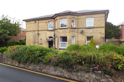 2 Bedrooms Flat for rent in North Road, Shanklin