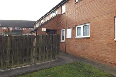 2 Bedrooms Flat for rent in Iveagh Walk, Riddings DE55