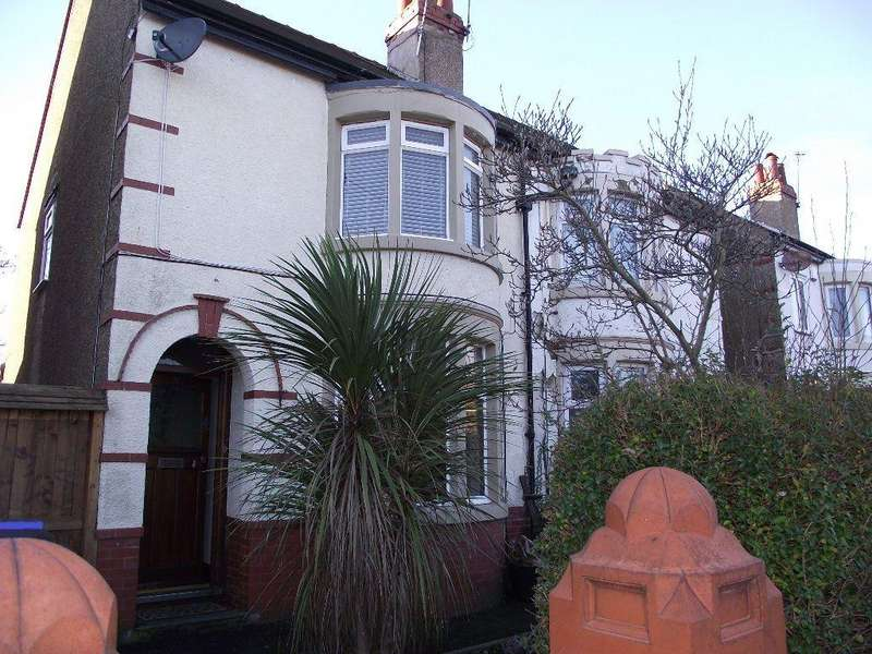 3 Bedrooms Semi Detached House for rent in Newlands Avenue, Blackpool, FY3 9PG