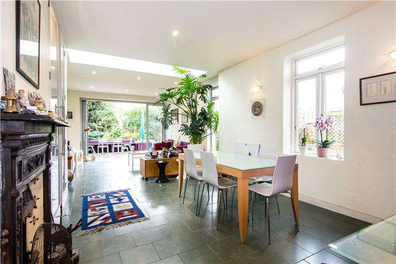4 Bedrooms Semi Detached House for sale in Aldbourne Road, London, W12