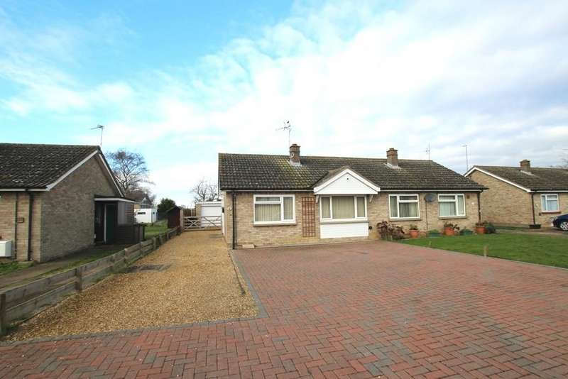 2 Bedrooms Semi Detached Bungalow for sale in River Close, Mepal