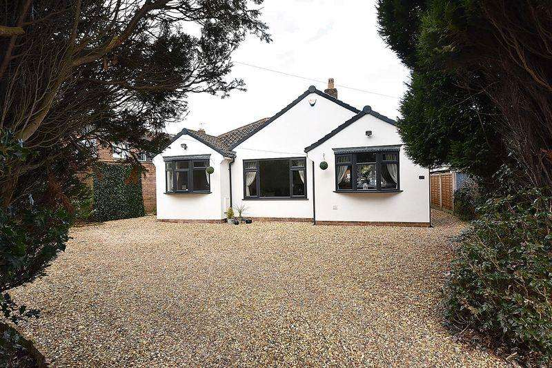 3 Bedrooms Bungalow for sale in Mobberley Road, Knutsford