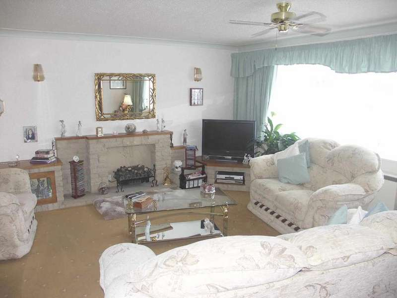 3 Bedrooms Flat for sale in Red Bank Road, Blackpool