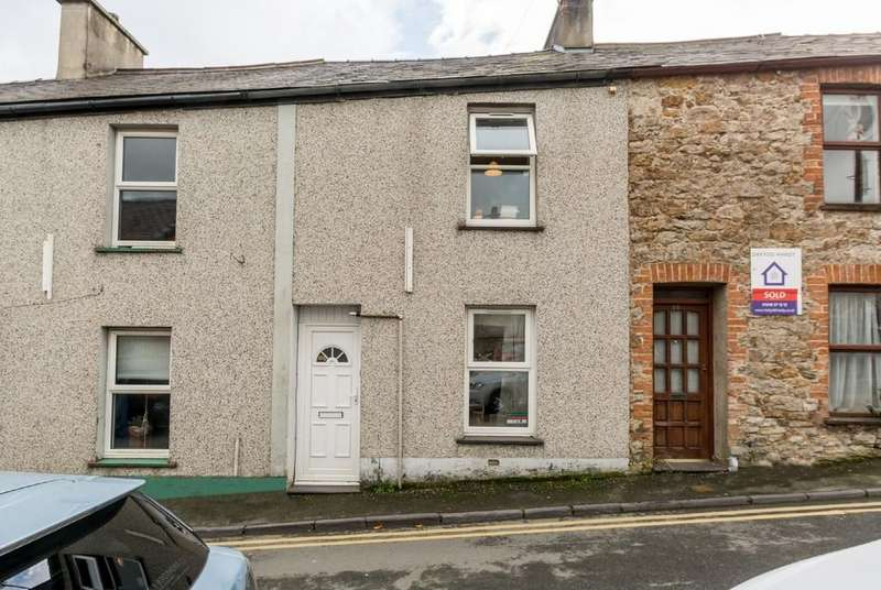 4 Bedrooms Terraced House for sale in Albert Street, Bangor, North Wales