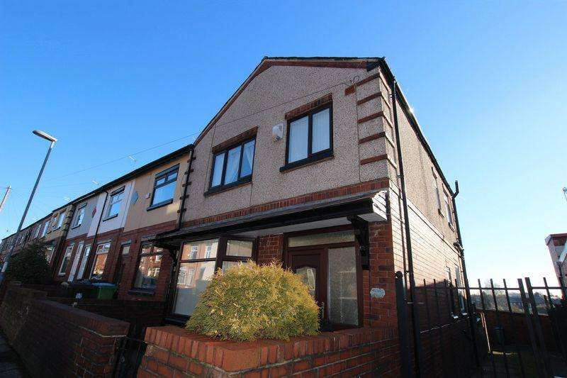 3 Bedrooms Terraced House for sale in Jubilee Road, Middleton M24 2LX