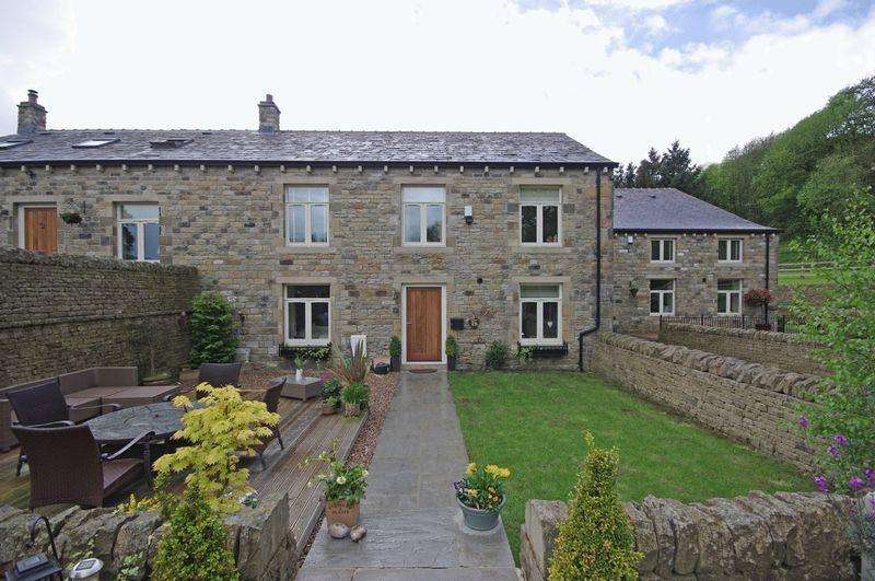 3 Bedrooms Cottage House for sale in 8 Firth House Meadows, Stainland Dean, HX4 9NB