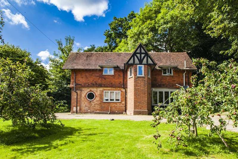 3 Bedrooms Detached House for rent in Winloed Cottage, Pangbourne on Thames, RG8