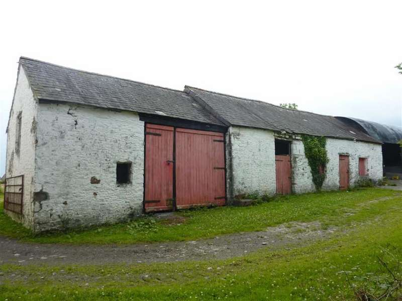 3 Bedrooms Barn Conversion Character Property for sale in Llansadwrn, Llanwrda
