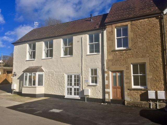 2 Bedrooms Flat for rent in High Street, Bruton