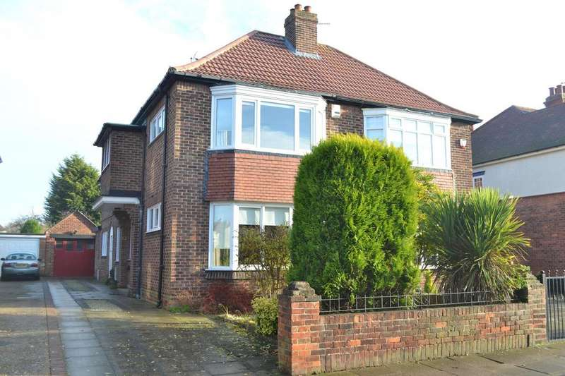 4 Bedrooms Semi Detached House for sale in Park Avenue, Grimsby, North East Lincolnshire, DN32