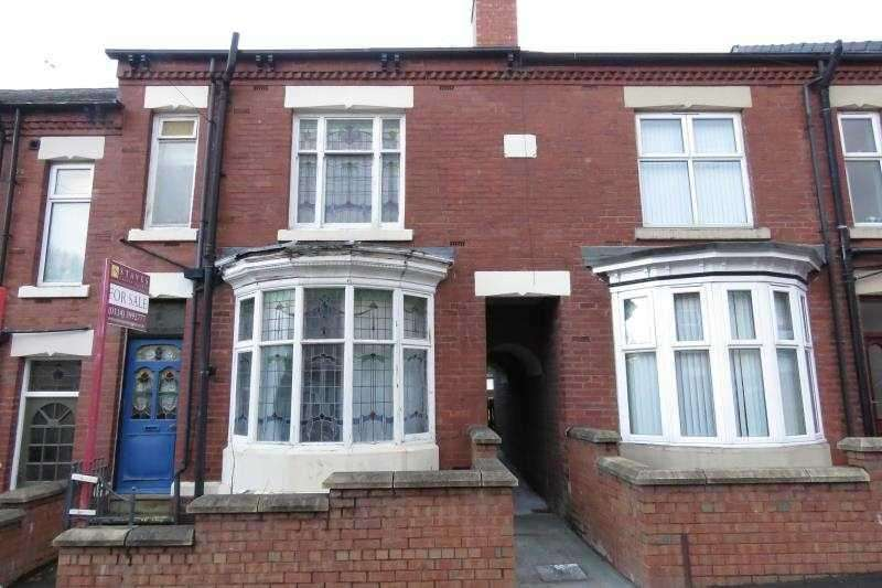 3 Bedrooms Town House for sale in Logan Road, Darnall, Sheffield, S9 4PF