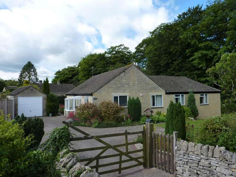 4 Bedrooms Detached Bungalow for sale in Eastcombe, Stroud GL6