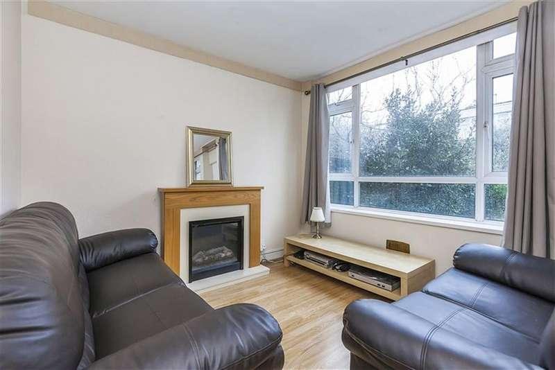 4 Bedrooms Flat for rent in Cassland Road, Victoria Park, , London