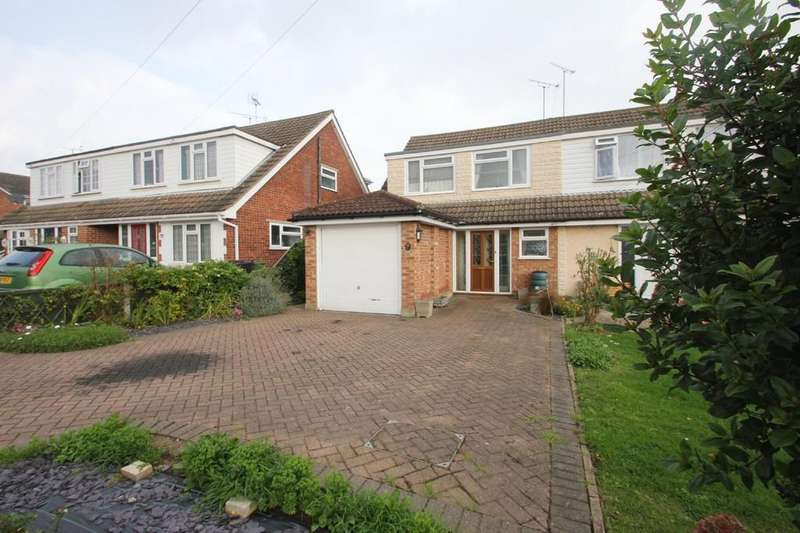 4 Bedrooms Chalet House for sale in Grove Road, Rayleigh