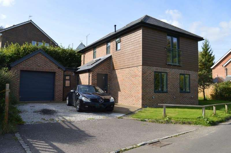 3 Bedrooms Detached House for sale in Balaclava Lane, Wadhurst TN5