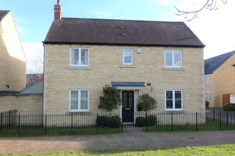5 Bedrooms Detached House for sale in Trefoil Way, Carterton, Oxon