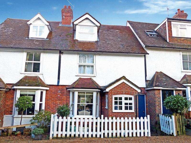 3 Bedrooms Terraced House for sale in 2 Westfield Terrace, Cranbrook