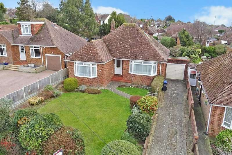3 Bedrooms Detached Bungalow for sale in Salvington Hill, Worthing BN13 3AT
