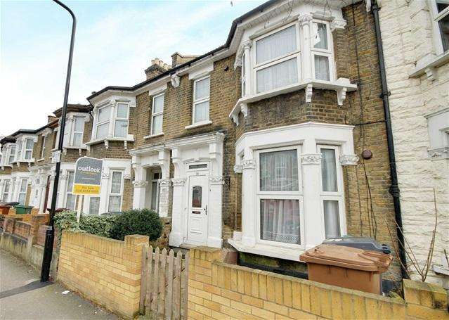 3 Bedrooms House for sale in Osborne Road, Leyton