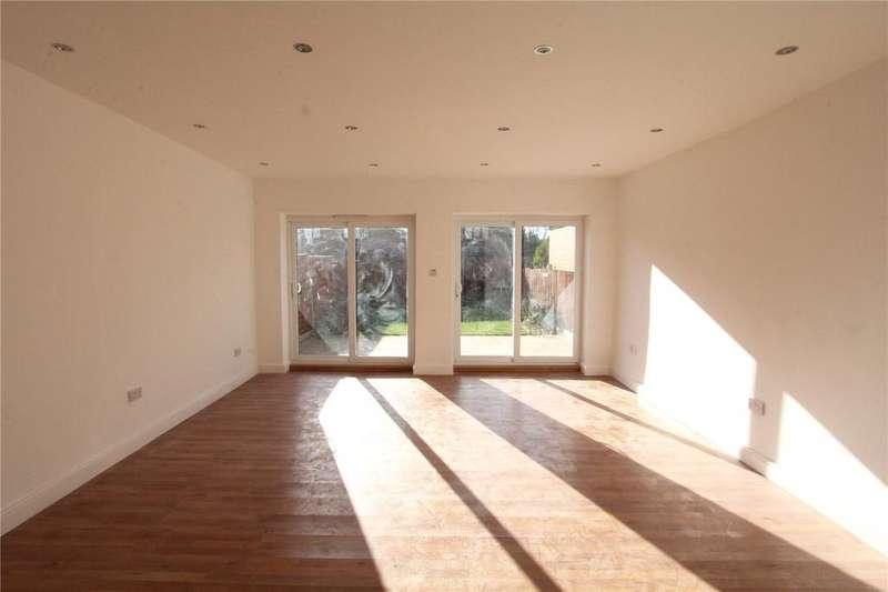 3 Bedrooms Detached House for sale in Corbins Lane, Harrow, HA2