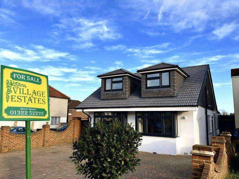 4 Bedrooms Bungalow for sale in Joydens Wood Road, Bexley