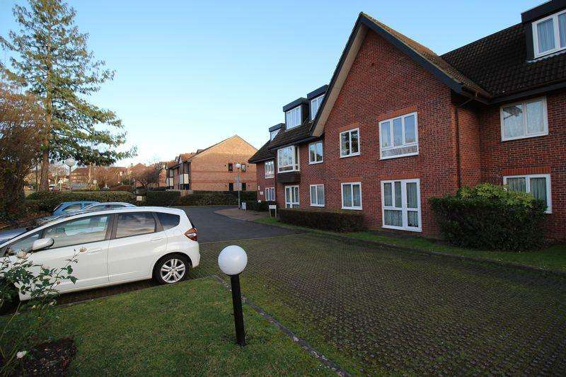 1 Bedroom Apartment Flat for sale in Woodcock Hill, Harrow