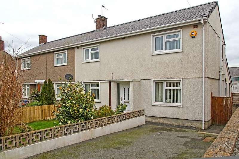 3 Bedrooms Semi Detached House for sale in Ffordd Wern, Caernarfon, North Wales
