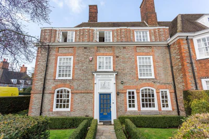 7 Bedrooms Flat for sale in North Square, Hampstead Garden Suburb, NW11