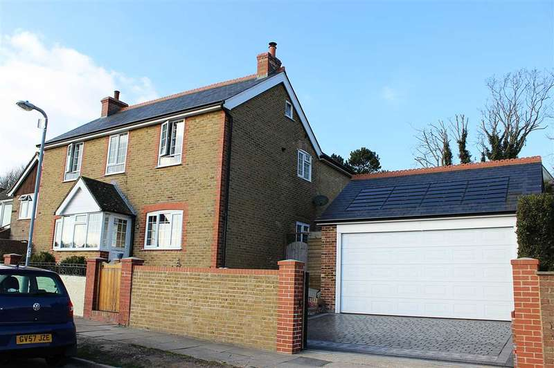4 Bedrooms Detached House for sale in Denton Rise, Denton