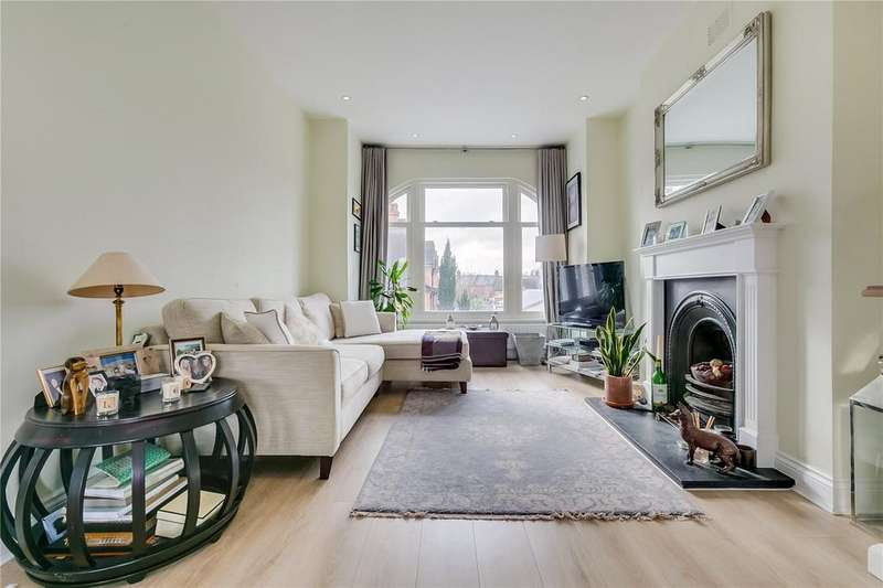 4 Bedrooms Flat for sale in Radbourne Road, Balham, London