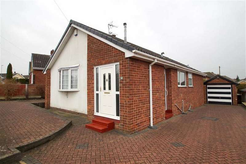 2 Bedrooms Detached Bungalow for sale in Templegate Avenue, Leeds