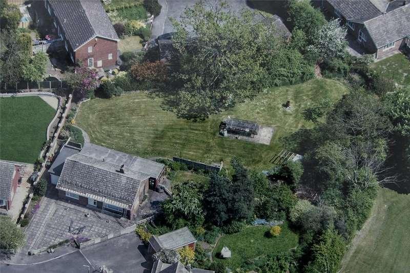 2 Bedrooms Detached Bungalow for sale in Chestnut Grove, Pontefract, WF8