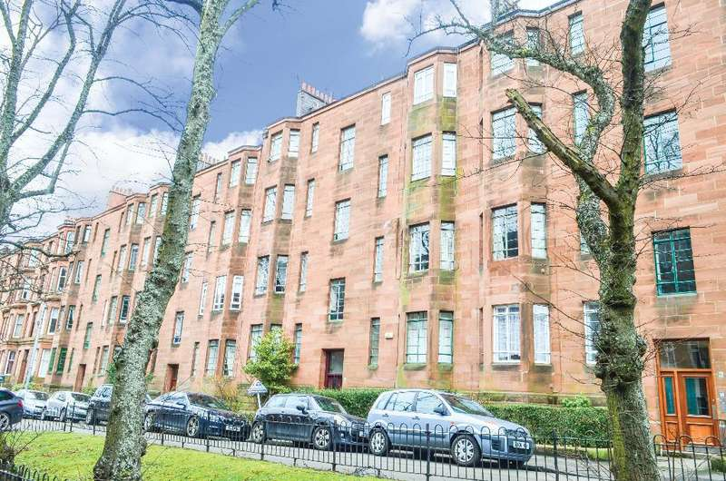 1 Bedroom Flat for sale in Dudley Drive, Flat 1/2, Hyndland, Glasgow, G12 9SD