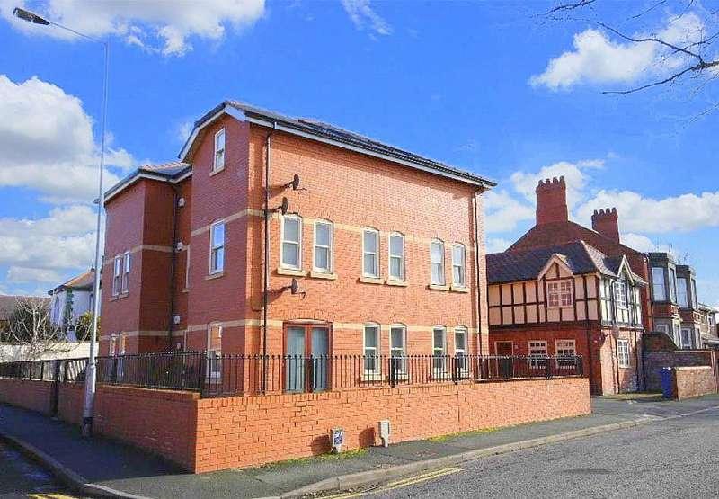 2 Bedrooms Flat for rent in Ruabon Road, Wrexham
