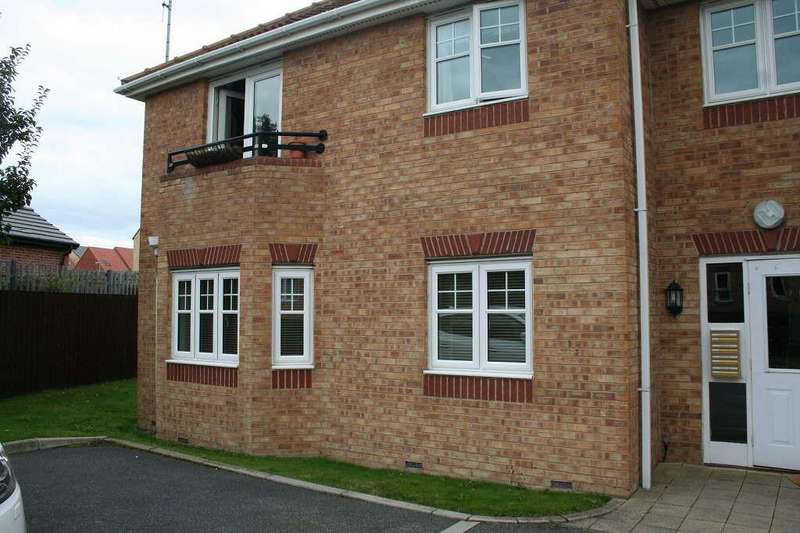 2 Bedrooms Flat for rent in Keswick View, Ackworth, Ackworth, West Yorkshire