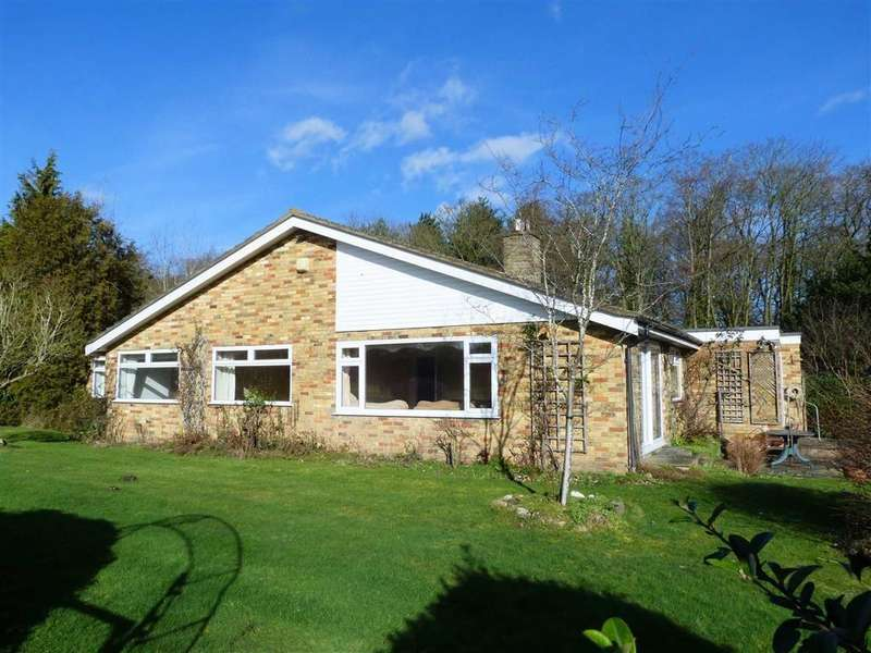 4 Bedrooms Detached Bungalow for sale in Queen Hoo Lane, Tewin, Welwyn