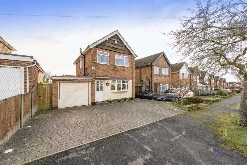 3 Bedrooms Detached House for sale in Cadgwith Drive, Allestree