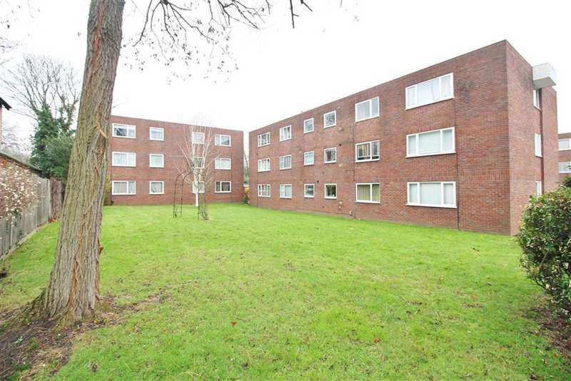 2 Bedrooms Flat for sale in Penrith Close, Beckenham, BR3